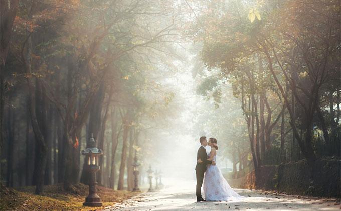 シンプルな幸せな結婚式