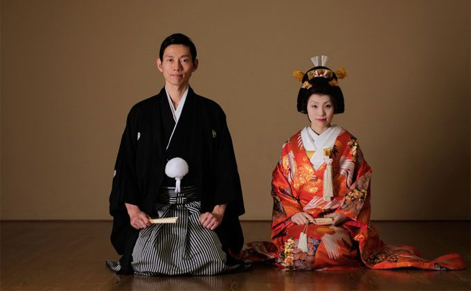 日本の着物姿の結婚式